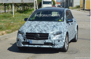 2021 Mercedes-Benz EQB spy shots