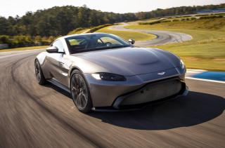 2019 Aston Martin Vantage debuts with bold look, raucous V-8