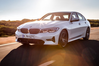 2020 BMW 330e plug-in hybrid debuts with XtraBoost feature