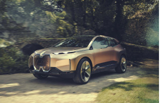 BMW Vision iNext electric concept redefines German luxury flagship