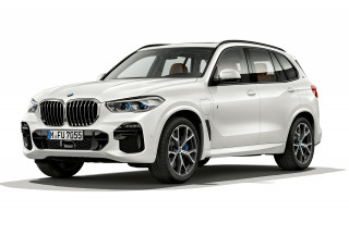 2021 BMW X5 xDrive45e plug-in hybrid will have more range, 6 cylinders