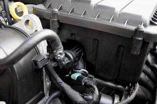 Heating element for engine fuel rail on Volkswagen Gol, Brazilian flex-fuel vehicle