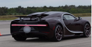 Owner takes Bugatti Chiron to its top speed