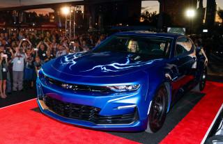 Chevy unveils electric Camaro drag racer, estimates 9-second quarter-mile