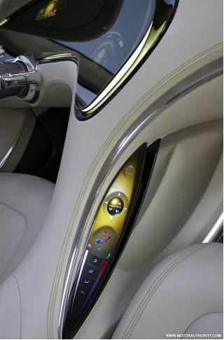 chrysler 200c ev concept car 021