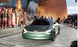 Genesis Mint Concept: luxury urban electric two-seater debuts in New York