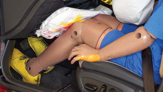IIHS knee airbag study