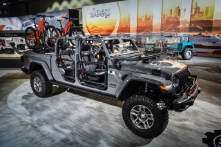 2020 Jeep Gladiator with Mopar accessories