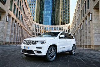 Jeep Grand Cherokee Summit in Europe
