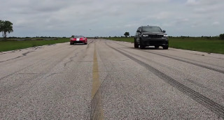 Watch a 1,000-hp Jeep obliterate a Ford GT in a drag race