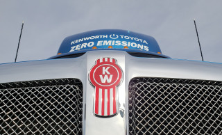 Kenworth T680 with Toyota hydrogen fuel-cell powertrain, at 2019 CES
