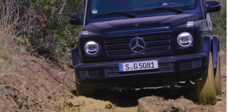 How to drive through mud in the 2019 Mercedes-Benz G-Class