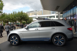 Mercedes-Benz delivers first F-Cell plug-in hybrid fuel-cell SUV in Germany
