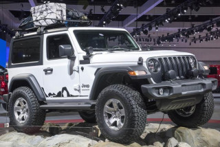 Mopar-modified Jeep Wrangler displays Moab graphics