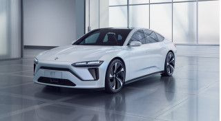 Electric car hopeful Nio closes California office amid layoffs