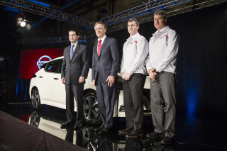 Nissan executives, Tennessee governor Bill Haslam with 2018 Nissan Leaf built in Smyrna, Dec 2017