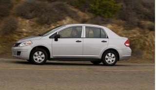 2009 Nissan Versa Photo