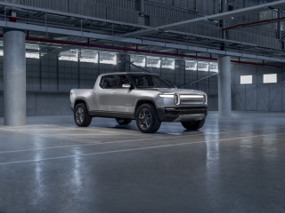 Report: Rivian in talks with GM and Amazon