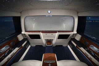 Total seclusion: Rolls-Royce Privacy Suite turns Phantom into rolling meeting space