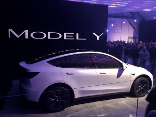 Tesla Model Y  -  introduction, Hawthorne CA, March 2019