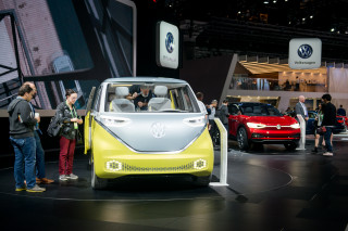 Volkswagen ID Buzz and ID Crozz concept, 2017 Los Angeles auto show
