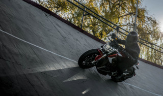 Zero SR/F electric motorcycle charges in an hour—without the hunt for DC fast chargers